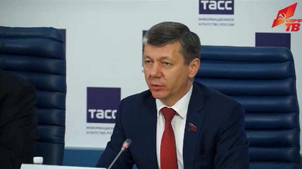 Новиков: «Программа КПРФ является единственным по-настоящему эффективным путем по выводу России из кризиса»