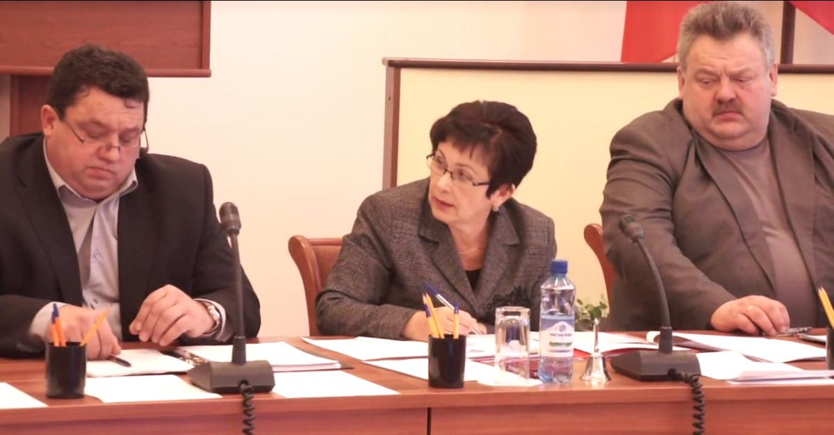 Депутаты запретили себе обращаться с официальными запросами к чиновникам