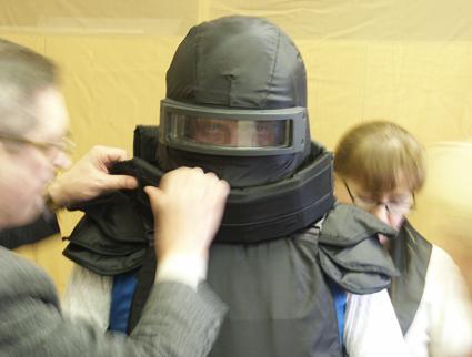 В России разработали одеяло и бронешапку для защиты населения во время войны