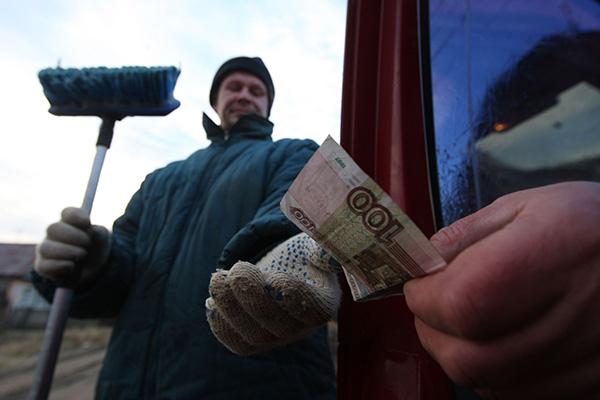 Медведев увеличил прожиточный минимум на 180 рублей