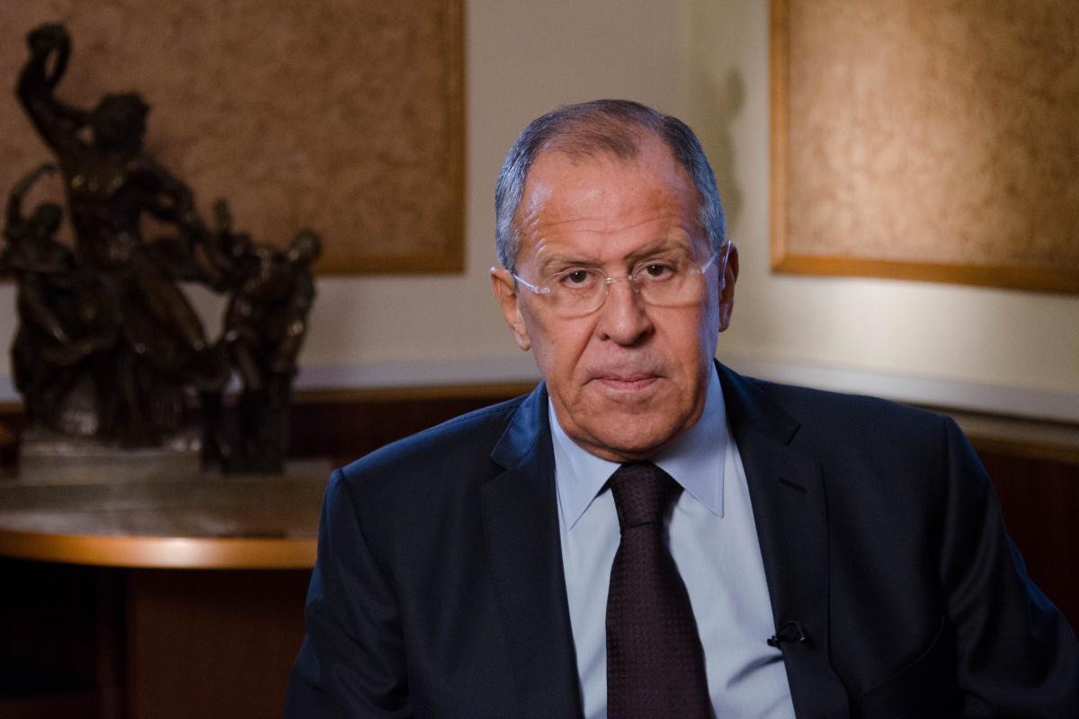 Лавров надеется, что Запад убедит Киев прекратить разыгрывать фарс