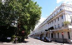 Особняк российского миллиардера в Лондоне захватили бездомные