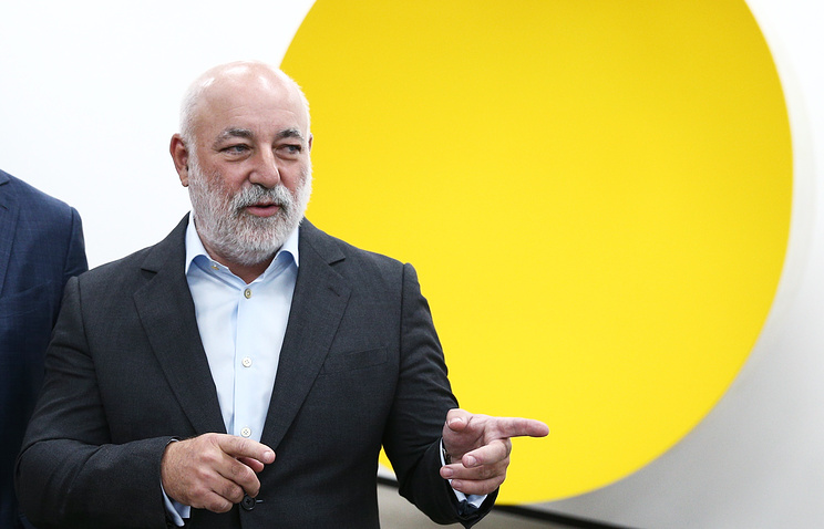 Миллиардер Вексельберг пообещал поддержку арестованным топ-менеджерам