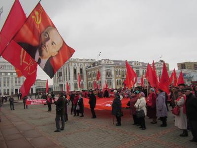 Праздничные мероприятия в честь 101-й годовщины Великого Октября прошли в Тамбове, Пскове, Симферополе, Махачкале и других городах России