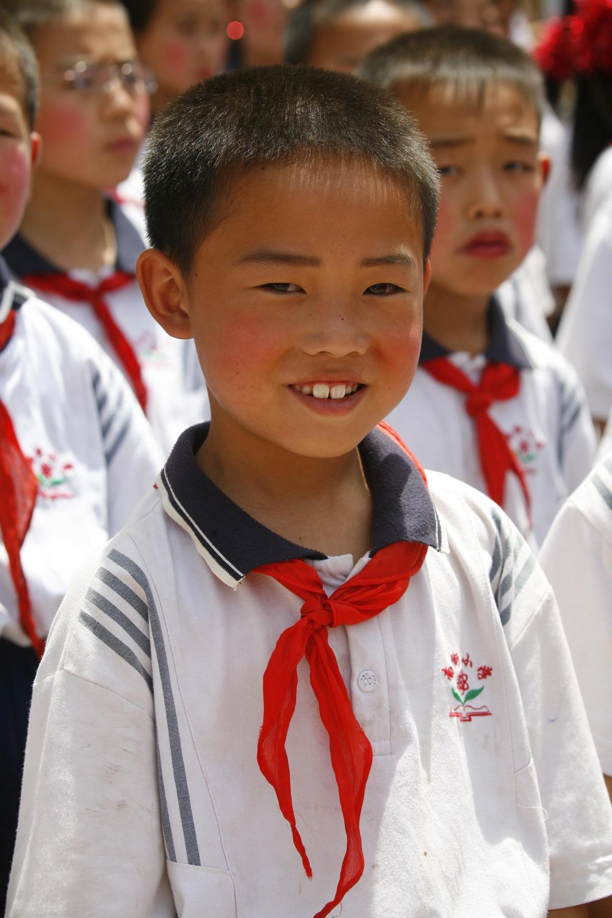 В Китае застрявший в лифте школьник за 5 часов сделал все домашние задания