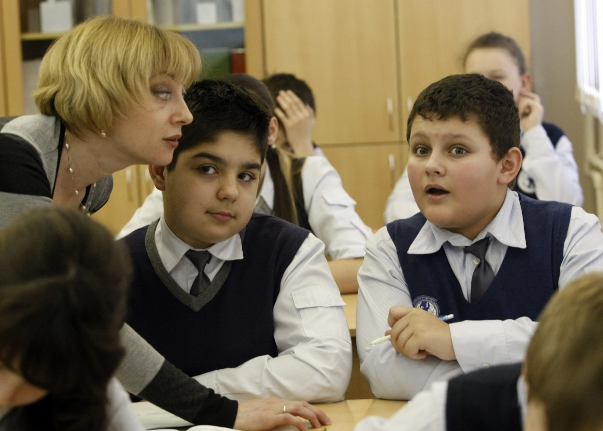 Власти повысят престиж профессии учителя за 3 млн рублей