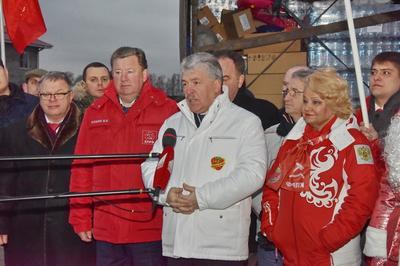 В преддверии Нового года коммунисты отправили в Донбасс 67-й гуманитарный конвой
