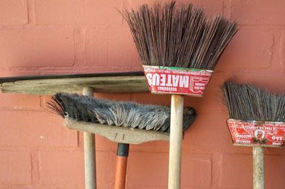 Что включает в себя уборка придомовой территории