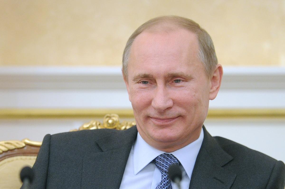 Рейтинг одобрения работы Путина достиг максимума за год