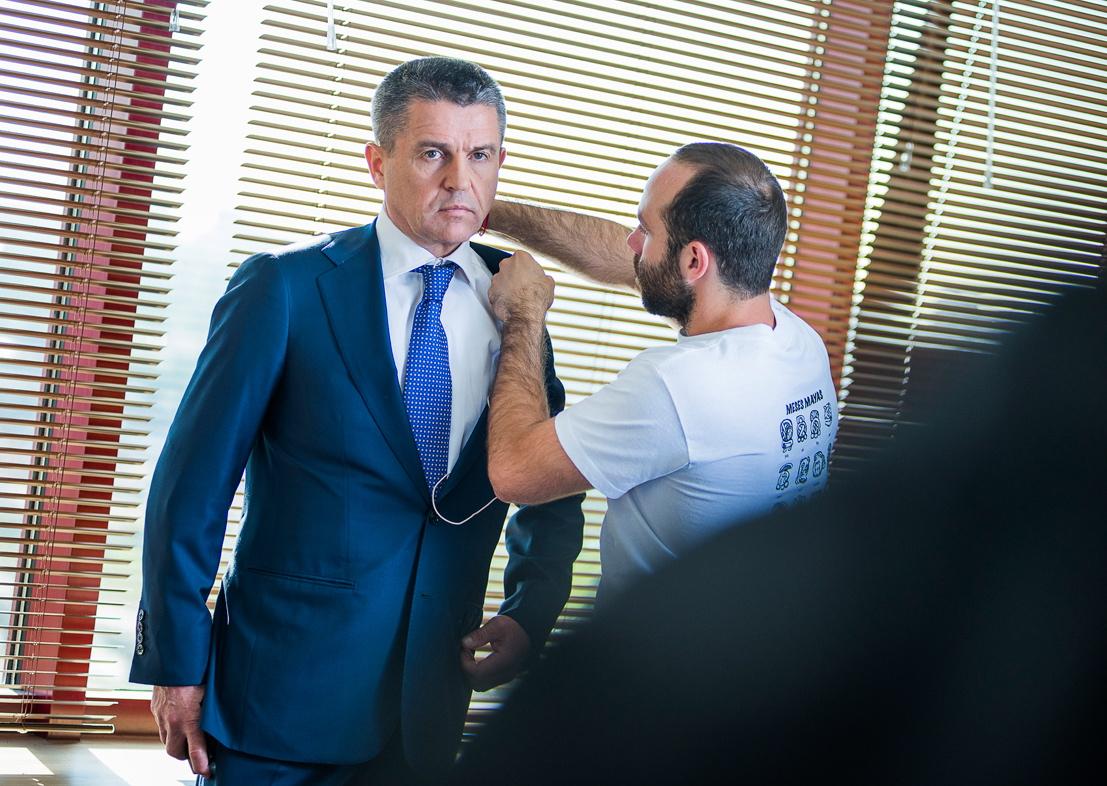 СМИ сообщили об отставке представителя СКР Владимира Маркина