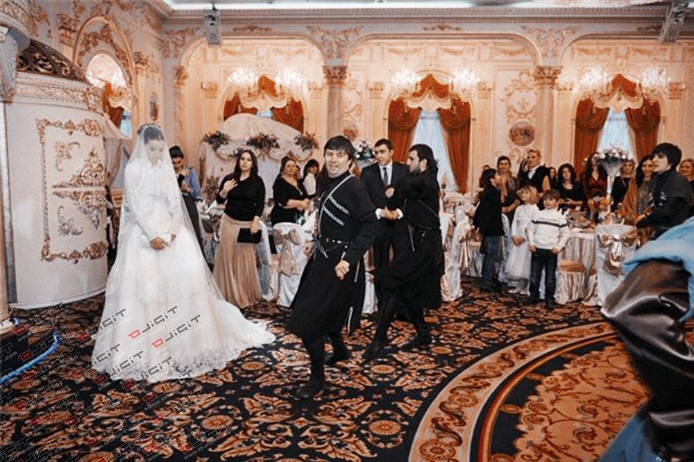 В Чечне будут пресекать «неподобающие танцы» на свадьбах