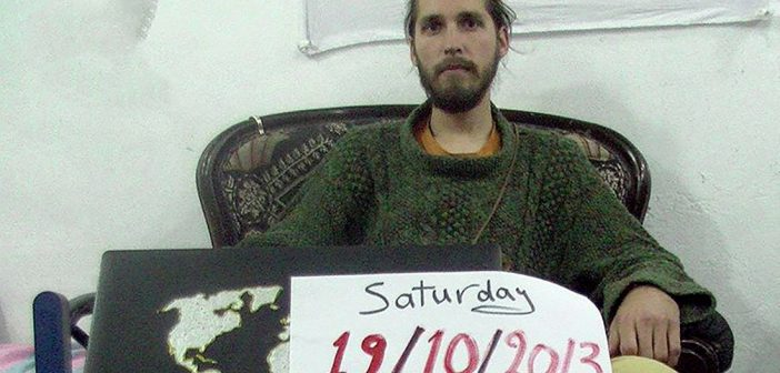 Захваченного 3 года назад в Сирии путешественника вернули домой