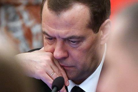 Более половины россиян не одобряют работу Дмитрия Медведева на посту премьер-министра