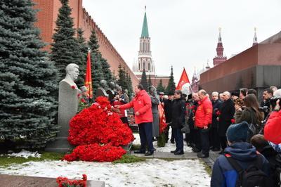 Коммунисты почтили память Сталина в день его рождения