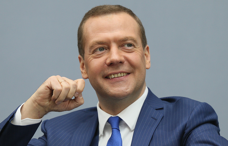 Медведев: Улюкаев арестован, работаем дальше, все нормально