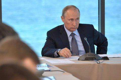 Путин призвал чиновников не заниматься «бюрократическим футболом»