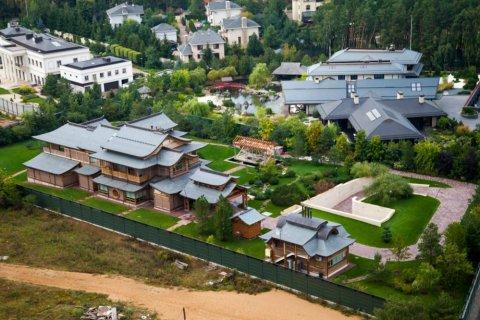 На Рублевке выставлен на продажу дом за 6,8 млрд рублей