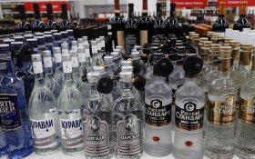 Российские власти подняли цены на водку