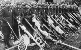 В Архангельске суд приговорил мужчину за фото с Парада Победы 1945 года – за пропаганду нацисткой символики