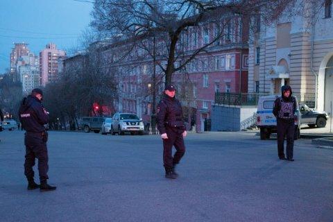 В приемной УФСБ по Хабаровскому краю была открыта стрельба. Нападавший ликвидирован