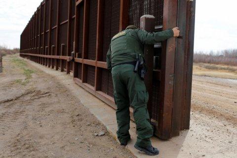 Трамп подписал указ о строительстве стены на границе с Мексикой
