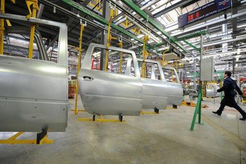 «АвтоВАЗ» остановит конвейер на три недели