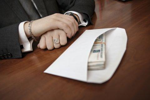 Высокопоставленные чиновники в Хакасии провернули «лекарственную» аферу на 200 миллионов рублей
