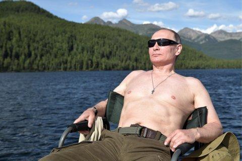 Опрос: Более половины россиян считают Путина ответственным за рост цен