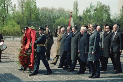 Польша обвинила Россию в фальсификации истории Второй мировой войны