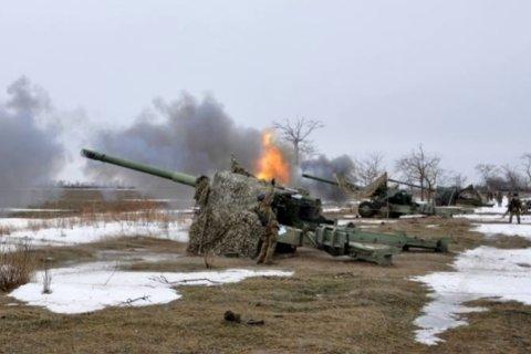 В Донбассе продолжаются интенсивные артобстрелы