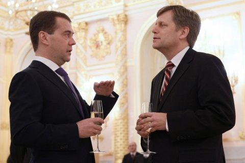 Макфол: Россию нужно обуздать
