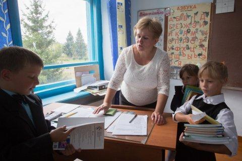 Число работающих на двух ставках учителей выросло в два раза