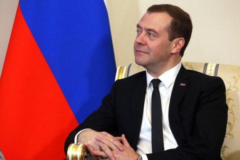 Единая Россия пытается избавиться от Дмитрия Медведева