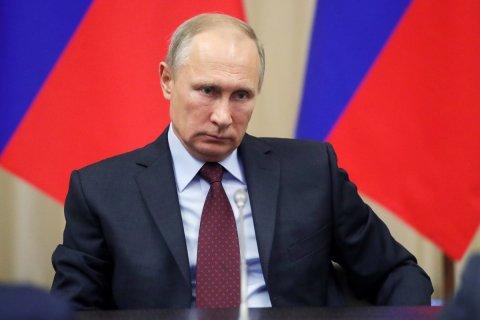 Путин встретился с уволенными губернаторами, посоветовал им не мешать и пообещал всем ордена