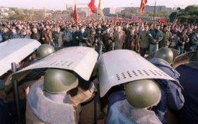 Кризис 1993 года: на чьей стороне были симпатии народа. Статья Сергея Обухова