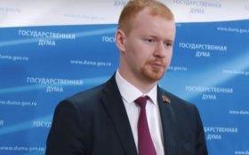 Денис Парфенов: Правящий класс проводит политику наглого грабежа нашего населения