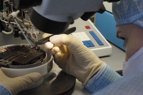 Правительство сократит расходы на научные исследования на 19 млрд рублей