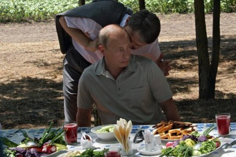 Ткачев назвал Белоруссию перевалочной базой для санкционной продукции