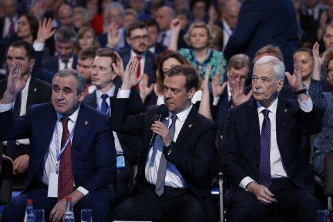 «Единая Россия» начинает «смягчать пенсионную реформу»… и отказывается