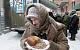 На Урале кредитор расплакался, увидев, как бедно живут его должники