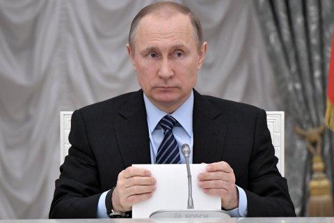 Путин потребовал избавить пациентов поликлиник от очередей и хамства