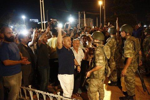 СМИ: Эрдоган совершает авторитарный переворот