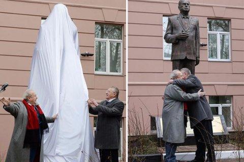Жириновский попросил у Путина здание в центре Москвы под свой институт. А ему его уже давали