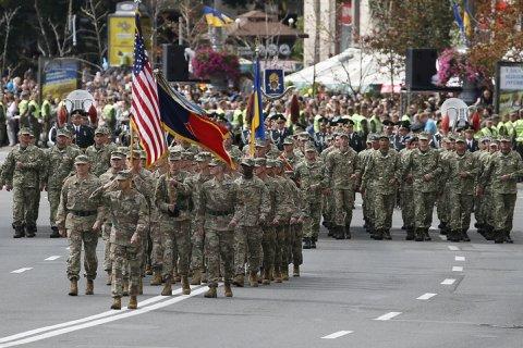 В военном параде в Киеве приняли участие солдаты НАТО