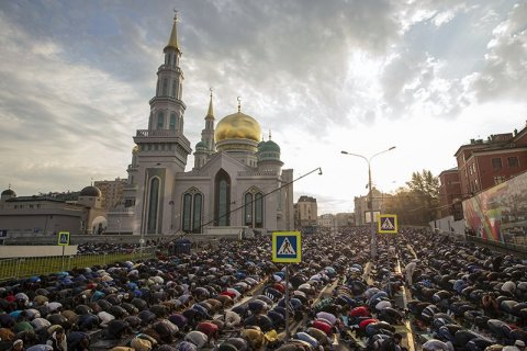 В Москве Ураза-байрам отпраздновали 200 тысяч человек