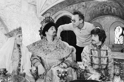Коммунист Олег Смолин предлагает перевести советское культурное наследие в общественное достояние