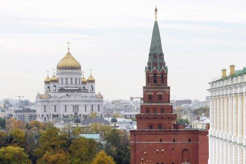 Число желающих эмигрировать из России упало до исторического минимума