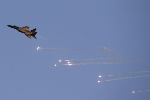Израиль предупредил Россию и нанес удар по сирийской батарее