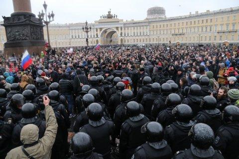 Опрос: половина россиян ставит свои права выше интересов страны