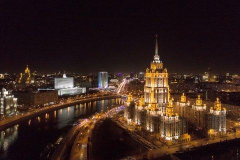 В Москве планируют потратить 6 млрд рублей на подсветку деревьев